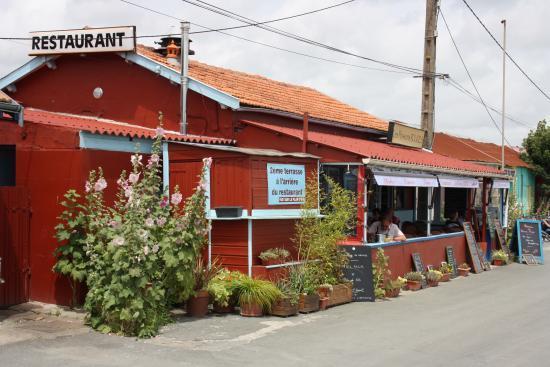 Restaurant côté port 2